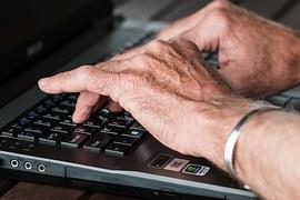 ruky na PC